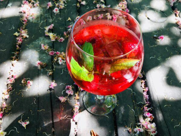 Mamm&Frukt pärnu veinimaja-vaarikavein-vaarikaspritzer-veinispritzer