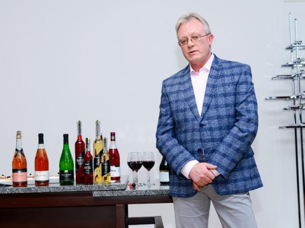 Mamm&Frukt veinimaja Eesti käsitööveinid Pärnu Veiniklubi linnavalitsus veinimeister Toomas Vaidla
