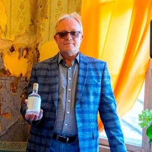Eesti-vein-veinidegustatsioon-mamm&Frukt-pärnu-veinimaja-mida-teha-pärnus-Ingveri-destillaat-Toomas-Vaidla