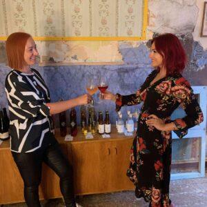 Mamm&Frukt veinituba Pärnus_Estonian wine_avamine Toomas Vaidla veinimeister Triin Lorents ja Signe Martinson copy